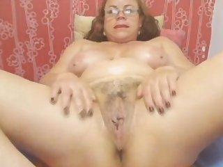 Webcam - Colombian granny Milf jesting (no sound)