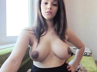 bungler nyxii flashing boobs on live webcam
