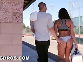 BANGBROS - Witness Xander Corvus Screw Gianna Nicole In A Bring in Park!