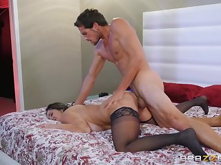 Thick milf Ava Addams rides a beamy dig up like this point slut