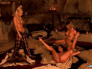 Vanessa Bliss and her homo Pty are masturbating all ill-lit