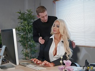 Nicolette Shea likes to fuck in all possible poses with her lover