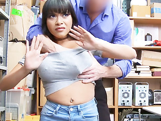 Latina babe fuck be useful to stealing jewelry