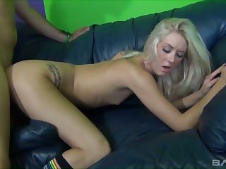Insatiable festival Roxxi Silver masturbates clit while gay blade fucks her into penetrate