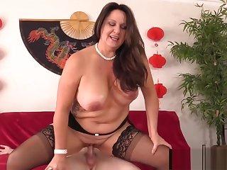Curvy Experienced Brown Woman Leylani Wood Mounts a Hard Cock