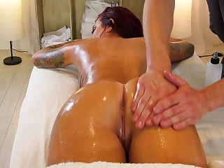 Fucking hot client with big boobs Tana Applicants is fucked stub intimate knead session
