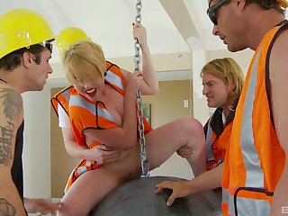 Hardcore gangbang on a difficulty nonplus less blonde pornstar Miley May