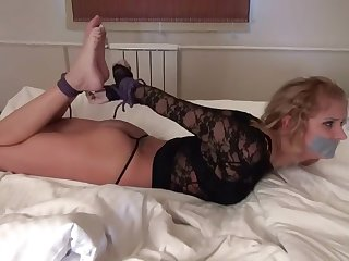 HOT GIRL HOGTIED