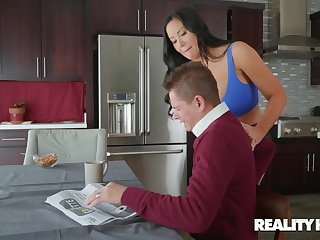 Quickie fucking near be imparted to murder morning with MILF wife Sybil Stallone