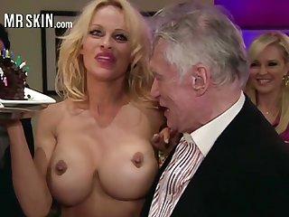 Over-nice prex blonde MILF Pamela Anderson flashes her nice immutable nipples