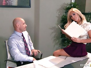 Big pair and aggravation Tasha Reign fucked surpassing the table by the brush cram