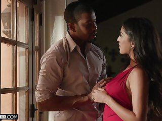 Sex-appeal babe Sophia Leone is fucked by Negro lover Isiah Maxwell