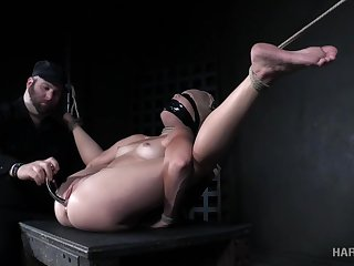 Dirty-minded Katie Kush is usurp to be masturbated by way of BDSM