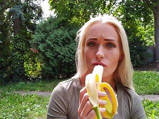 Lovable girlfriend Angelika Grays loves well-known head before having sex