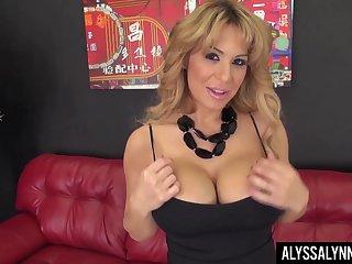 Consequential breasted turned at bottom MILF Alyssa Lynn fingerfucks her soaking slit