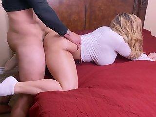 Big booty MILF hard fuck