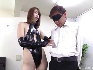 Seira Matsuoka tries her hand convenient female snag a grasp at around a lover
